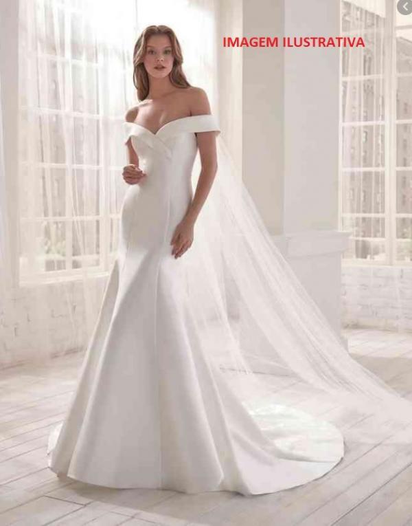 04 vestidos de noiva em cetim com calda